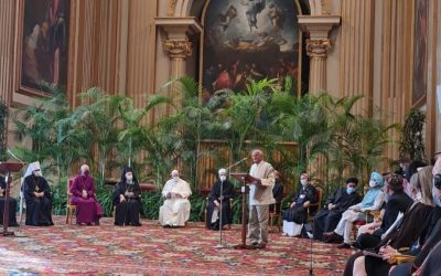 Satish Kumar discusses climate emergency with Pope at Vatican